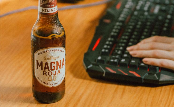 Descubre el sabor de Magna Roja 0,0, la cerveza de los gamers inquietos